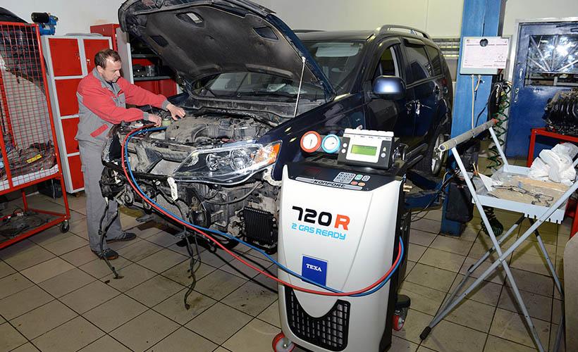 Обслуживание автомобильного кондиционеров Mitsubishi