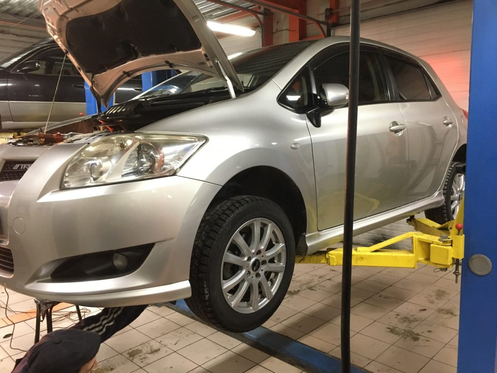 Техническое обслуживание Toyota Auris